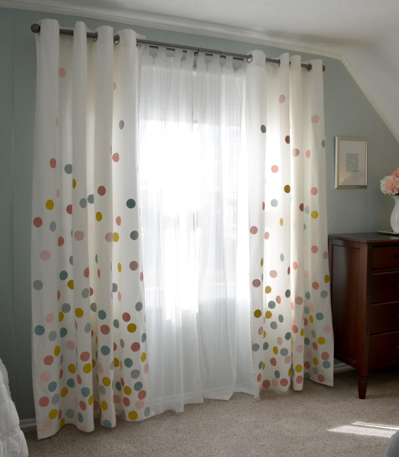 cozy birdhouse | confetti curtains