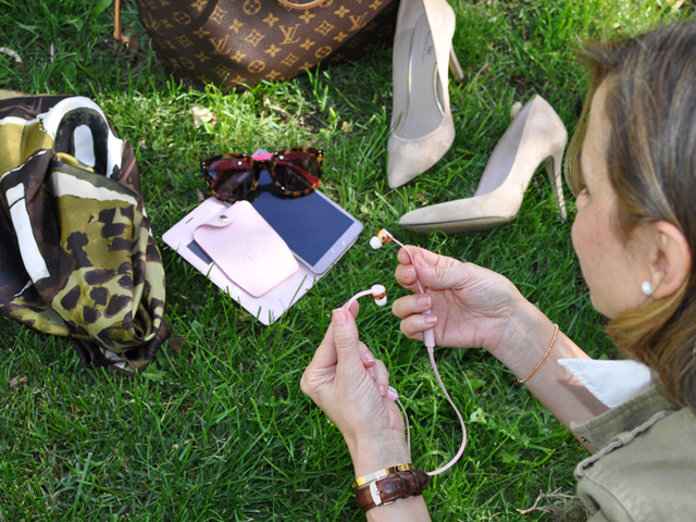 Military Jacket Zara, Louis Vuitton Neverfull, Dior scarf, Coach sunnies,  Sudio Sweden www.myladytrends.com