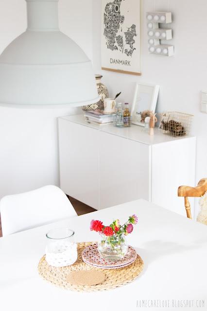 upcyling, aus alt mach neu, alt mit neu kombinieren,diy, vintage, mix and match, alter Stuhl mit modernem kombinieren, Ikeatisch mit verschiedenen Stühlen