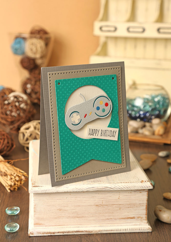 Kim Dellow's Technology makes for Simply Cards and Papercraft issue 156
