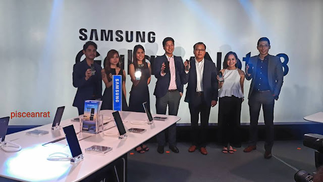 Samsung Electronics Philippines officials, among them are speakers earlier, Mr. Kevin Lee, President & CEO, and Ms. Melanie Lok, Product Marketing Manager for Flagship Smartphones.