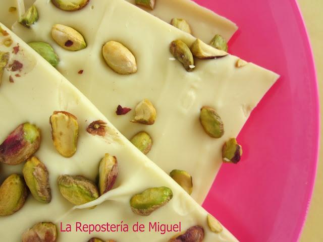Chocolate Blanco con pistachos (Una idea original para estos dias )