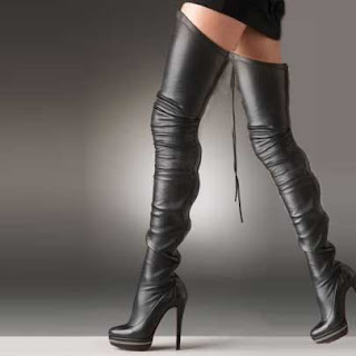 Fashion struggles for short girls:Thigh High Boots
