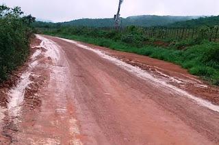 Chuva na BA-142, entre Tanhaçu e Ituaçu