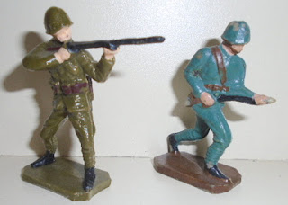1:32nd Scale Figures, 1:32nd Scale Russians, 1:32nd Scale Toy Soldiers, Airfix Toy Soldiers, Centrum Figures; Centrum Poland, Centrum Toy Soldiers, Polish Flats, Polish Toy Soldiers, PZG Plastic Toy Figures, PZG Poland, PZG Polish Toy Soldiers, PZG Toy Soldiers, PZG ZSP, Small Scale World, smallscaleworld.blogspot.com, Soviet Era Toy Soldiers, Soviet Infantry, Soviet Plastic Toy, Warsaw Pact, Warsaw Poland, Warzawa, Andrzej Kawecki, CZZP, Globus, Global, Spojnia, Uniwersum, Universal, Wyrob, WZUP