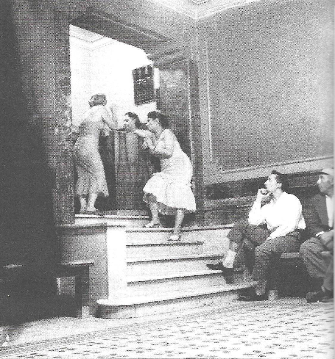 Storie di donne e di poesia storia fotografica dell 39 italia 1 for 1 5 piani artistici della casa di storia