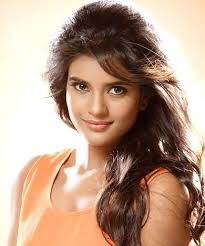 Aishwarya Rajesh Family Husband Son Daughter Father Mother Age Height Biography Profile Wedding Photos