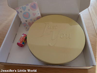 Review - Baker Days Valentine's Day letter box cake