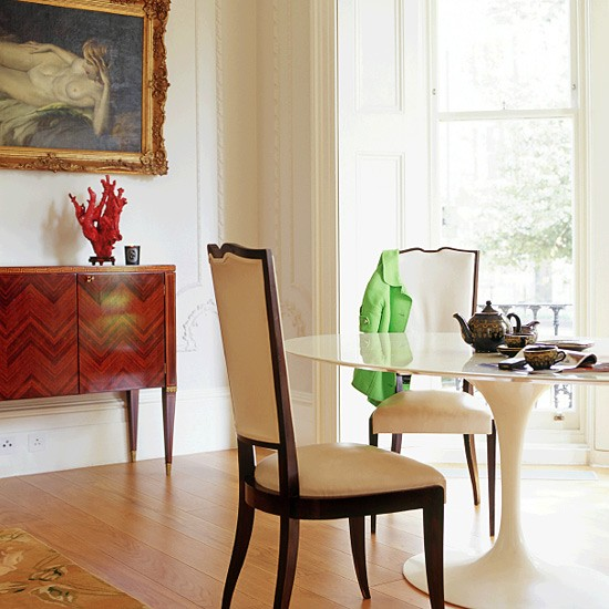 Victorian Style Dining Room: Refresheddesigns.: Spotlight On...the Saarinen Tulip Table