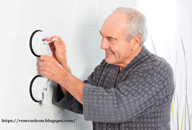 В ванной комнате для людей с ограниченной подвижностью важна каждая деталь