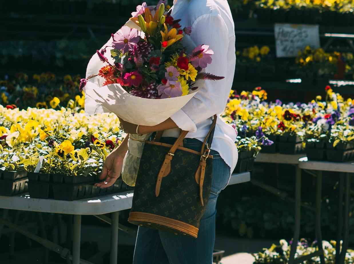 vintage louis vuitton, farmer's market, nc photographer, nc blogger, xo samantha brooke, life and messy hair