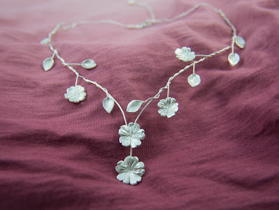 art nouveau nature flower leaf leaves elf elvish bridal wedding statement necklace silver adjustable primrose blooms