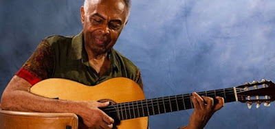 Gilberto Gil toca funk carioca no Natal em família e surpreende; confira o vídeo