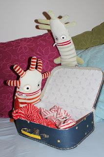 Herr Ningel und Herr Nörgel packen Koffer