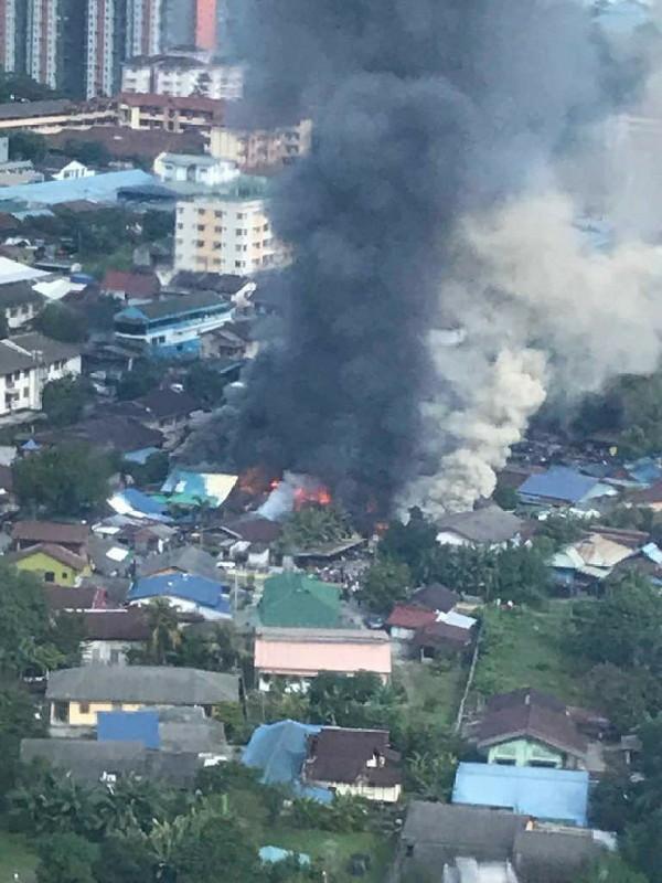 15 Rumah Di Kampung Baru Terbakar, DBKL Sediakan Rumah Sementara- Johari
