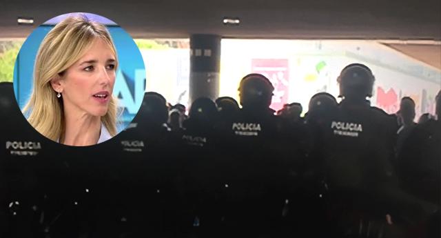 """Universitarios de Barcelona reciben a Álvarez de Toledo (PP) al grito de """"fuera fascistas"""""""