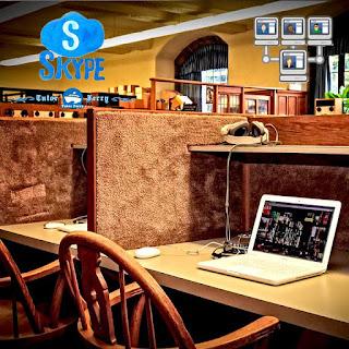 เรียนออนไลน์ทางสไกป์ เป็นการเรียนออนไลน์กับติวเตอร์สด แบบตัวต่อตัว ผู้เรียนหรือนักเรียนสามารถสอบถามกับติวเตอร์ได้ตลอดเวลา การเรียนการสอน