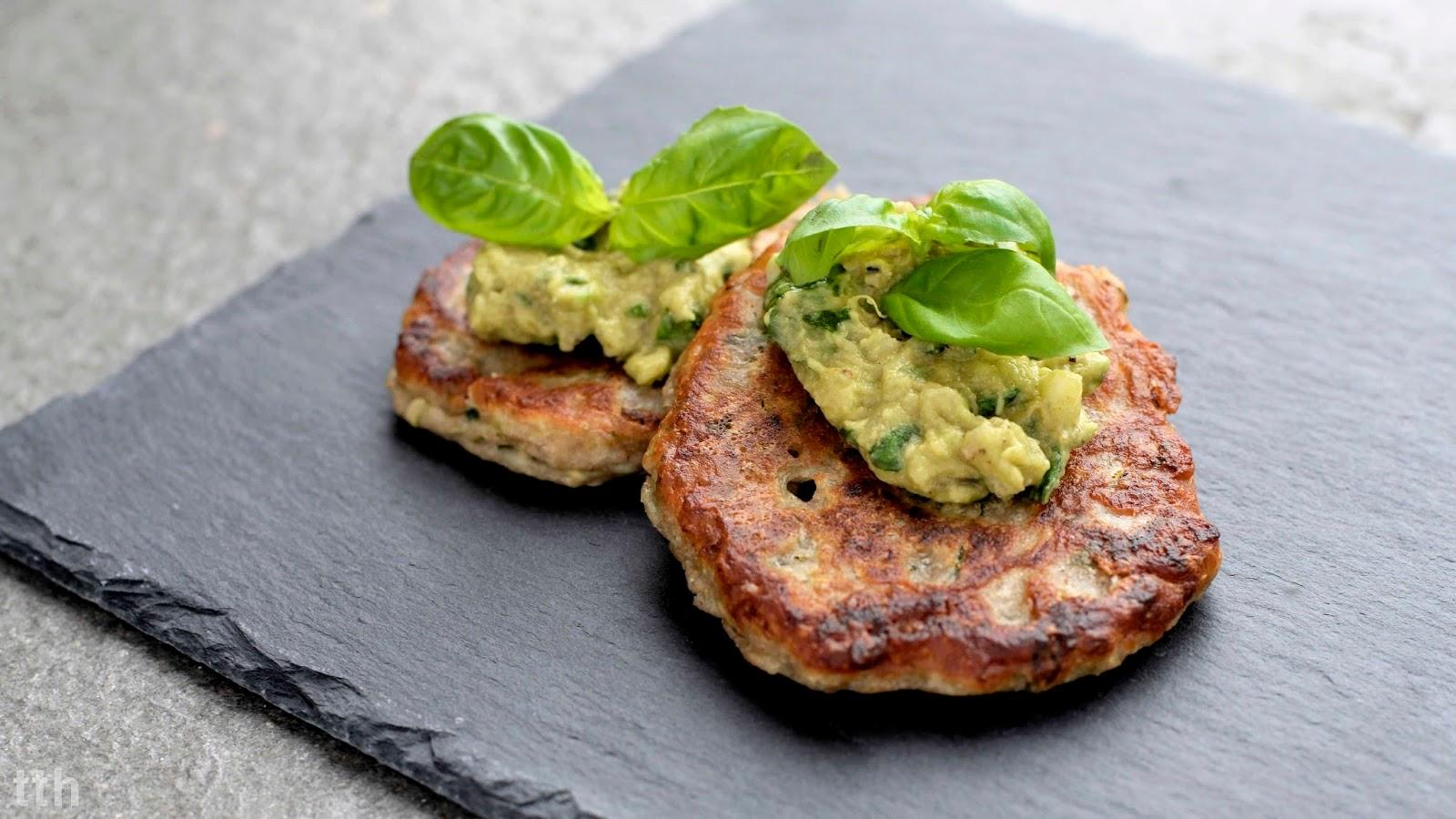 Cukiniowe bliny gryczane awokado wegańskie kuchnia roślinna blog kulinarny