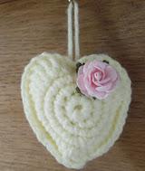 http://translate.googleusercontent.com/translate_c?depth=1&hl=es&rurl=translate.google.es&sl=auto&tl=es&u=http://happyberrycrochet.blogspot.ca/2013/01/crochet-love-heart-free-pattern.html&usg=ALkJrhgy9ZOBU1XKCgWs4GINXERZKxGuyA