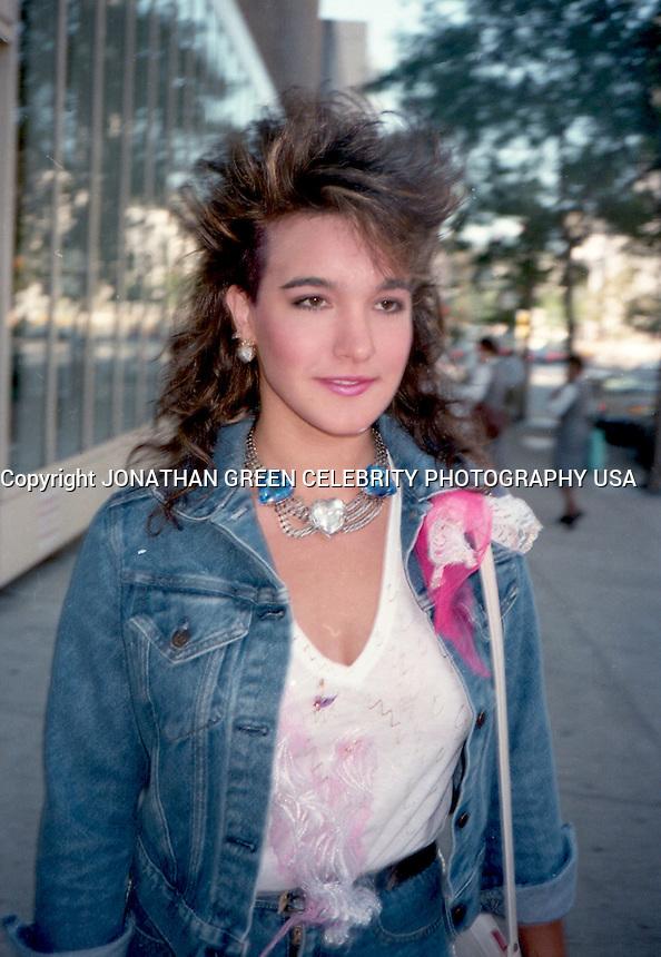 Celeb Pics: Danielle Brisebois