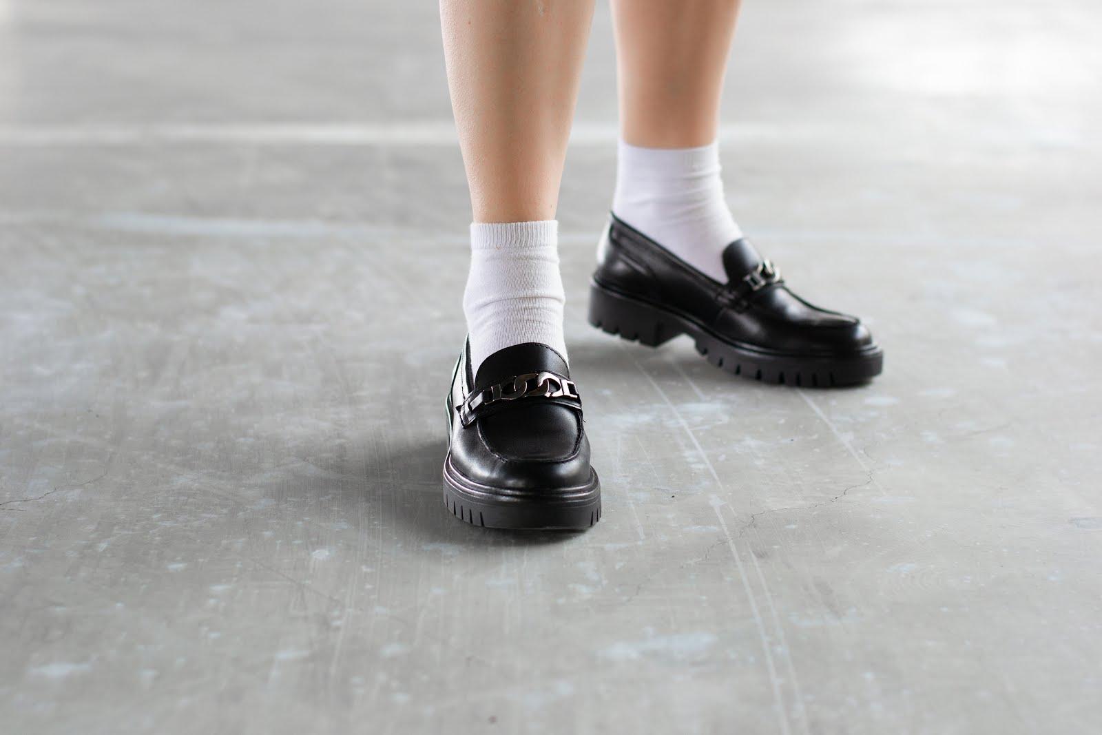 Chunky loafers, sacha shoes, edgy dress, weekday, jurk, casual, oversized, minimal, street style, plateau zool