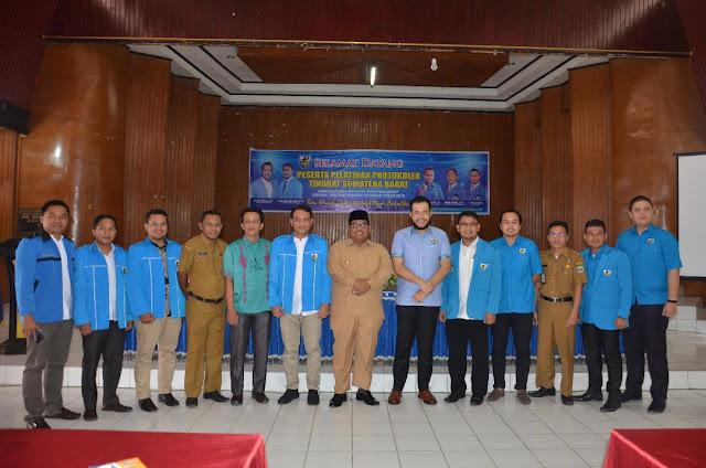 Dihadiri Fadly Amran dan Suhatri Bur, Pelatihan Protokoler KNPI Padangpariaman Berlangsung Sukses
