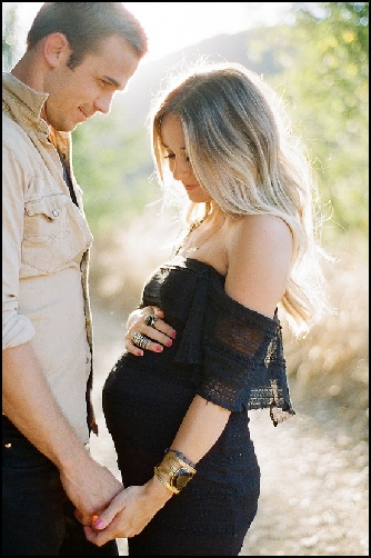 Pregnant Couples Pictures 85