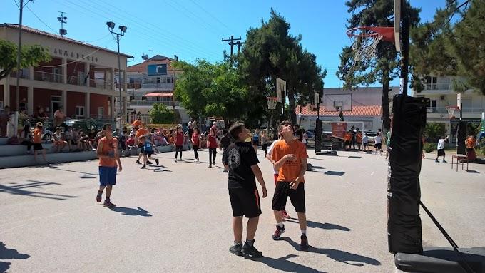 Χόρτασαν μπάσκετ στο Βόλο και στην Καλλικράτεια στα τουρνουά MILKO 3Χ3 της ΕΟΚ-Φωτορεπορτάζ