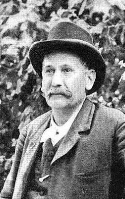 Fotografía de Galdós publicada por el semanario Pluma y lápiz (1903)