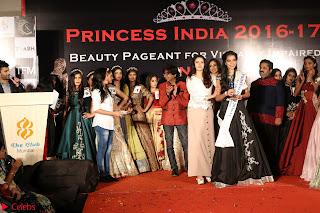 John Aham, Bhagyashree, Subhash Ghai and Amyra Dastur Attends Princess India 2016 17 Part2 020.JPG