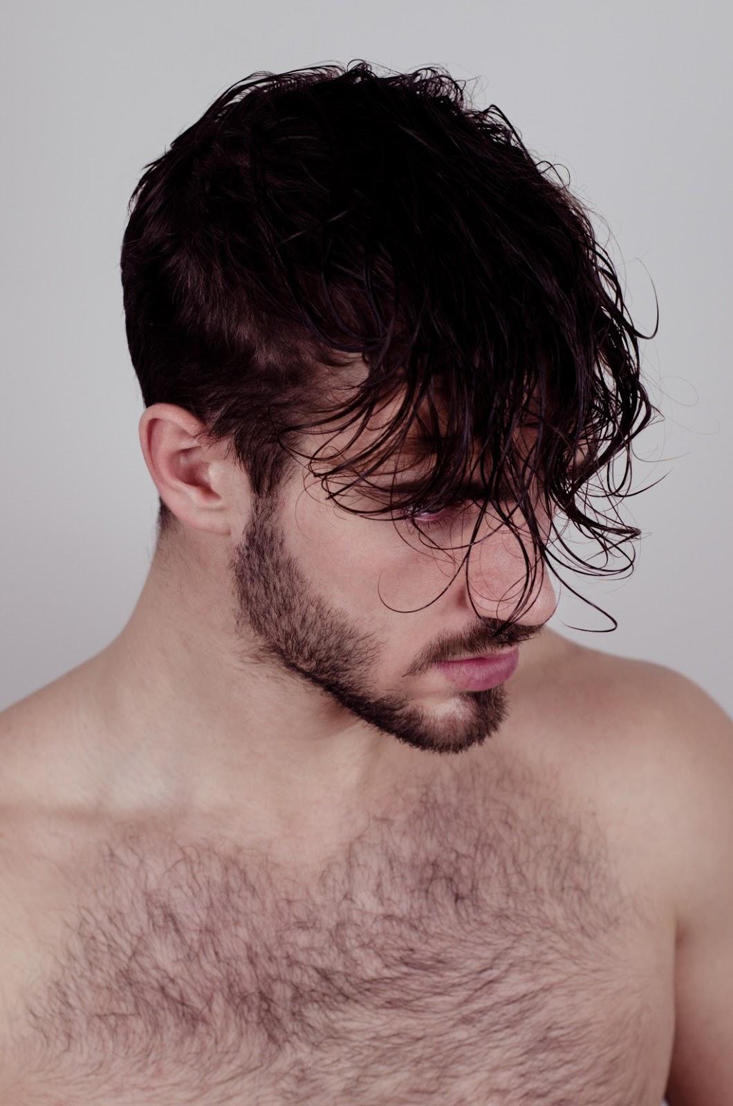 Male lack facial hair petite