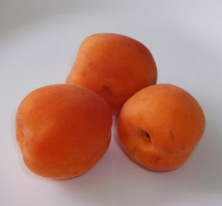 apricot, fresh apricot, apricot fruit, orange apricot, orange, fruit, fresh, 100 Happy Days Challenge, Another Random Thought of a Procrastinator, Random Thought, Another Random Thought, Random Thoughts, Another Random Thoughts, Procrastinator
