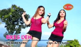 Lirik Lagu Bikes Deh - Duo Bening