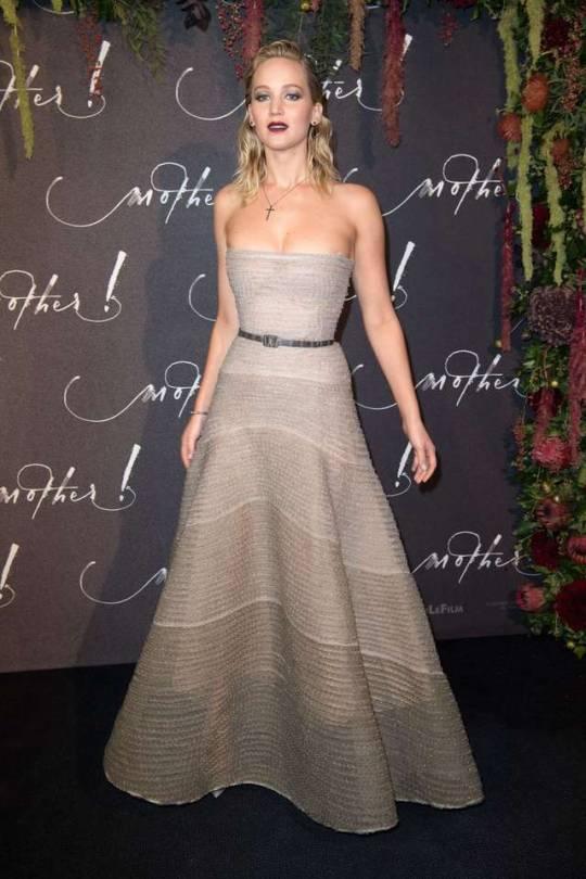 Jennifer Lawrence - Mother! Premiere Paris