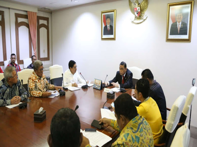 Syafruddin saat memerima rombongan Pemimpin Daerah Maluku di Kantor KemenpanRB Jakarta