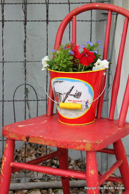 junk planters, upcycled, old chair, garden junk, http://bec4-beyondthepicketfence.blogspot.com/2016/05/junk-planters.html