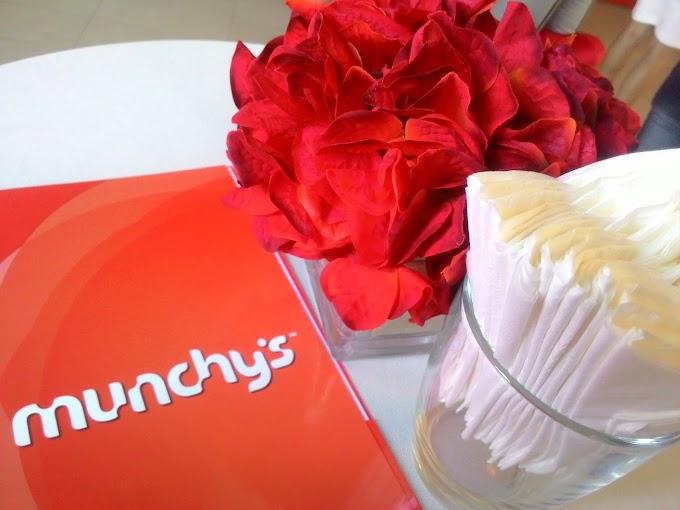 Hadiah Ulangtahun ke-25 tahun dari Keluarga Munchy's