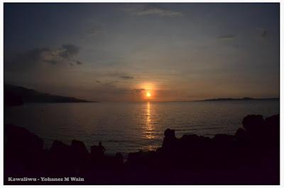Pesona Matahari Jatuh Di Ujung Timur Pulau Flores