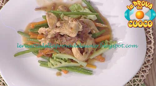 Prova del cuoco - Ingredienti e procedimento della ricetta Straccetti di pollo con verdurine al burro di Cristian Bertol