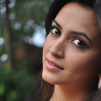 Actress kriti kharbanda latest hot photo shoot stills