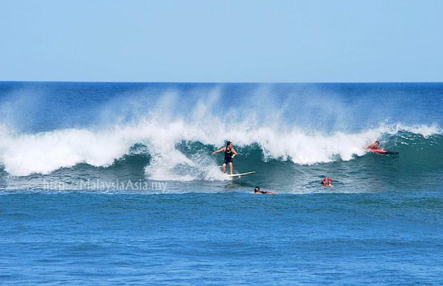 Surfers at Echo Beach