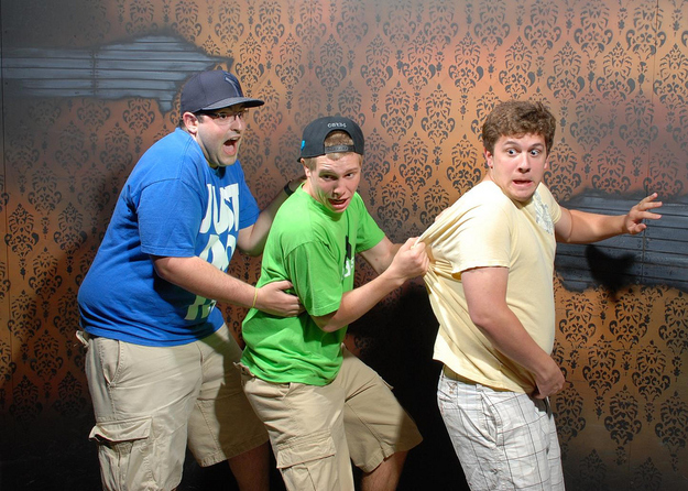 Hilarious photos taken by a hidden camera in a haunted house