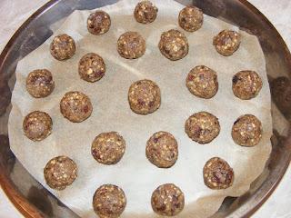 Preparare biscuiti raw vegan retete culinare,