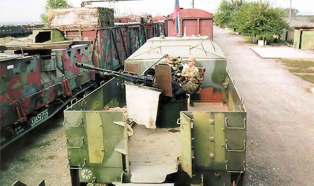 Mídia checa está preocupada pela recuperação russa de antigos trens militares. Embora dessuetos, foram úteis para grandes distâncias na invasão da Geórgia.
