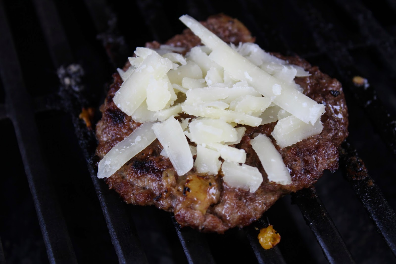 manchego cheese, hamburger, grilling