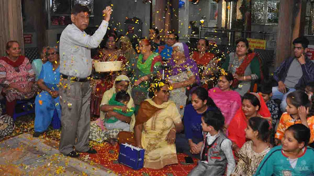 Holi of flowers, celebrated in the immediate temple Shiv Mandir NH-5, Faridabad