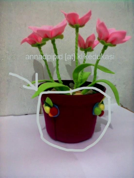 tutorial merangkai bunga dari kain flanel
