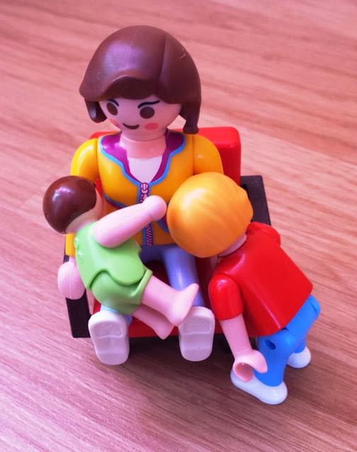 Stillbild Tandemstillen mit Playmobilpuppen