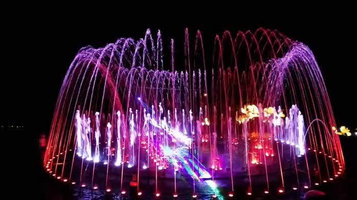 Giliran Surabaya : Festival of Light di Lenmarc Mall