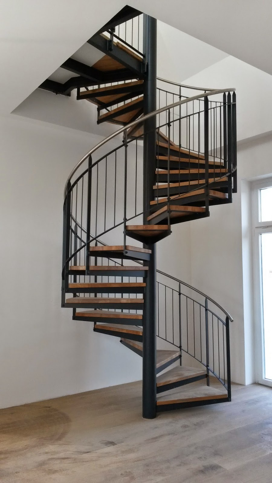 fr bel metallbau treppen gel nder gitter in wesseling. Black Bedroom Furniture Sets. Home Design Ideas